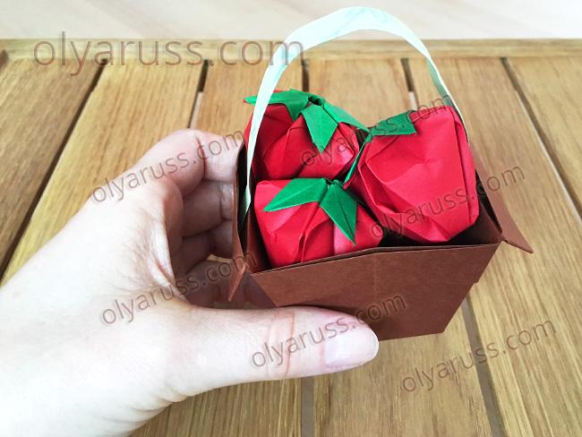 Клубника оригами - как сделать Ягодки из бумаги